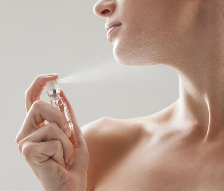 How To Apply Perfume To Make it Last Longer and Smell Beautiful