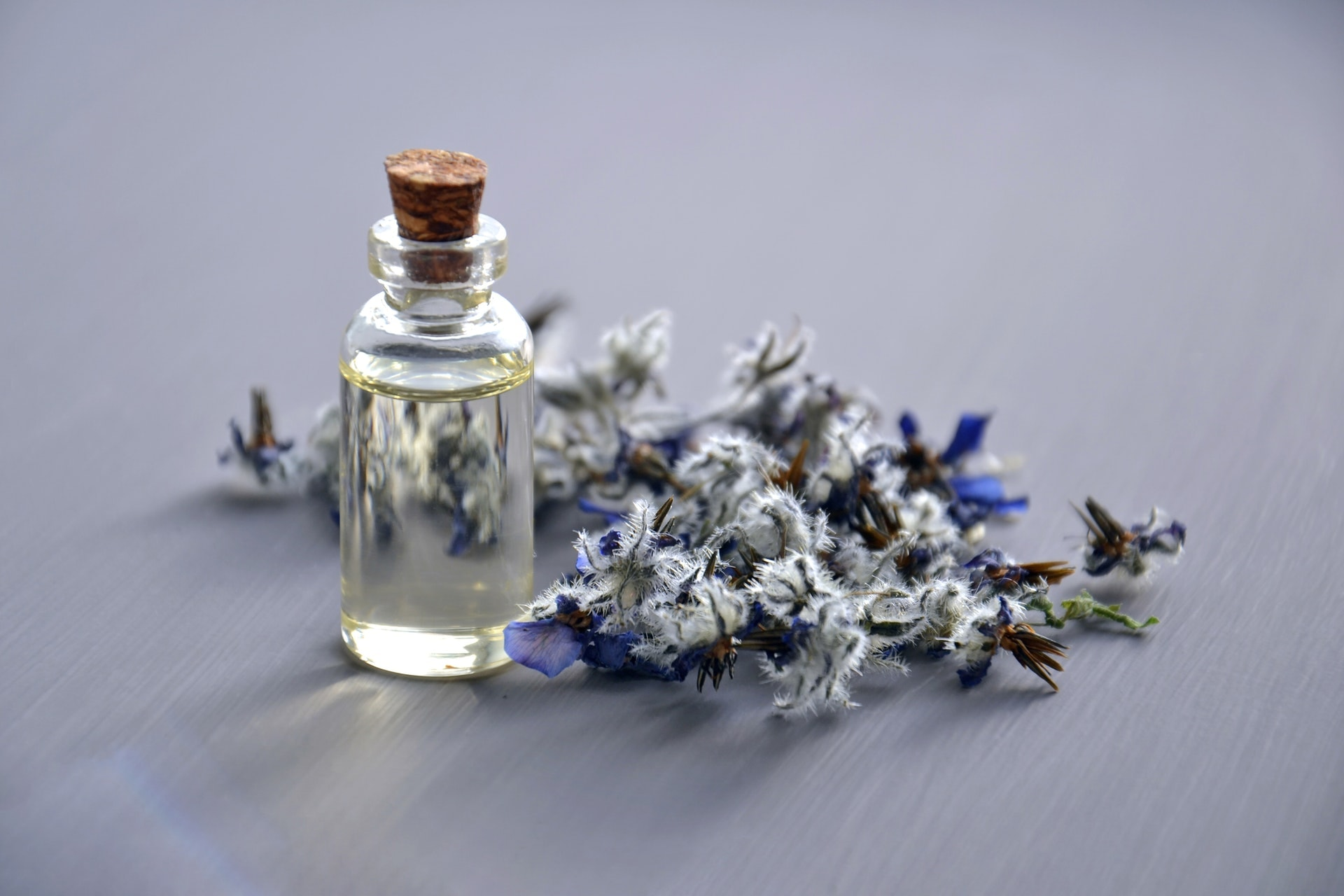aromatherapy-aromatic-bottle