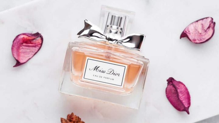 9 Best Dior Perfumes Review: Elegance & Femininity in a Bottle