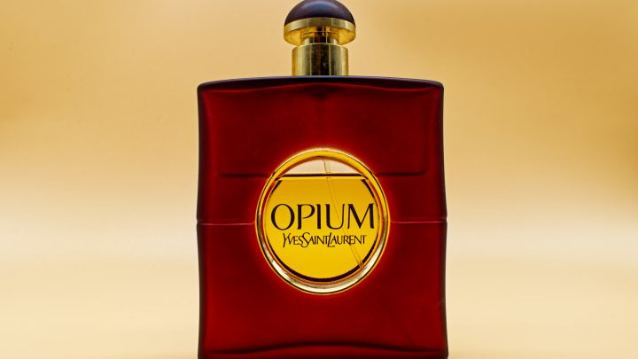 10 Best All-Time Classic Perfumes For Woman