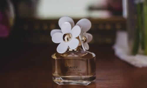 marc-jacobs-daisy-fragrance-bottle