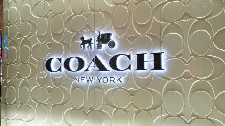 Coach,New,York,Logo,Neon,Sign,At,Central,World,Shopping